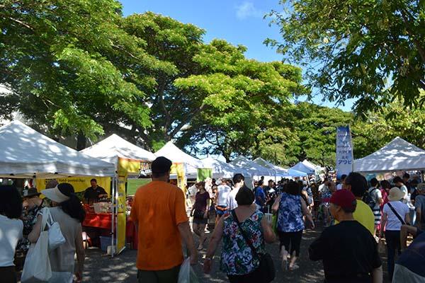 ハワイのKCCファーマーズマーケットで食中毒!