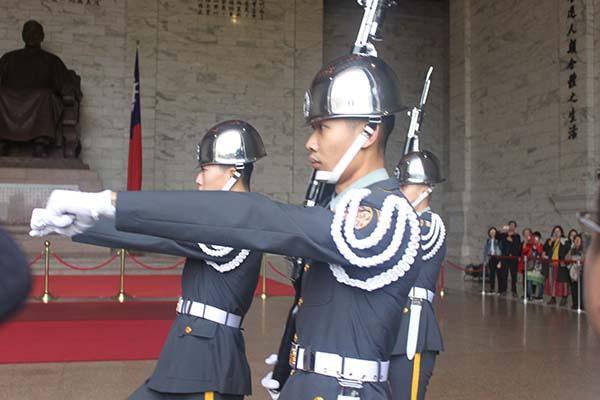 台湾の衛兵交代式